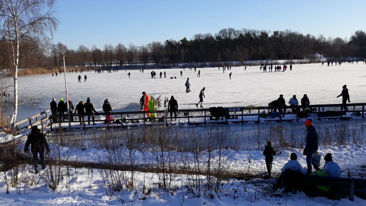 In beeld: schaatspret in Horst aan de Maas