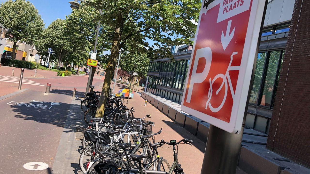 Fietsparkeerplaatsen krijgen permanente plek in centrum Horst