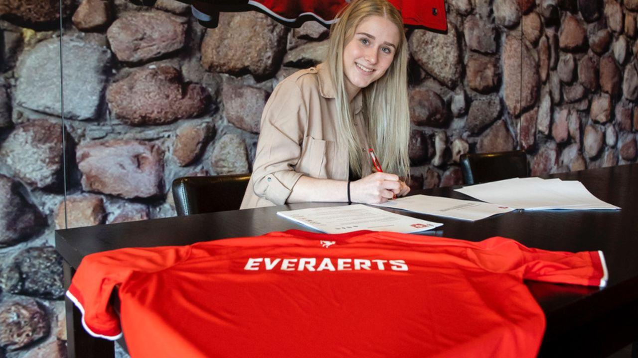 Kim Everaerts tekent contract bij FC Twente