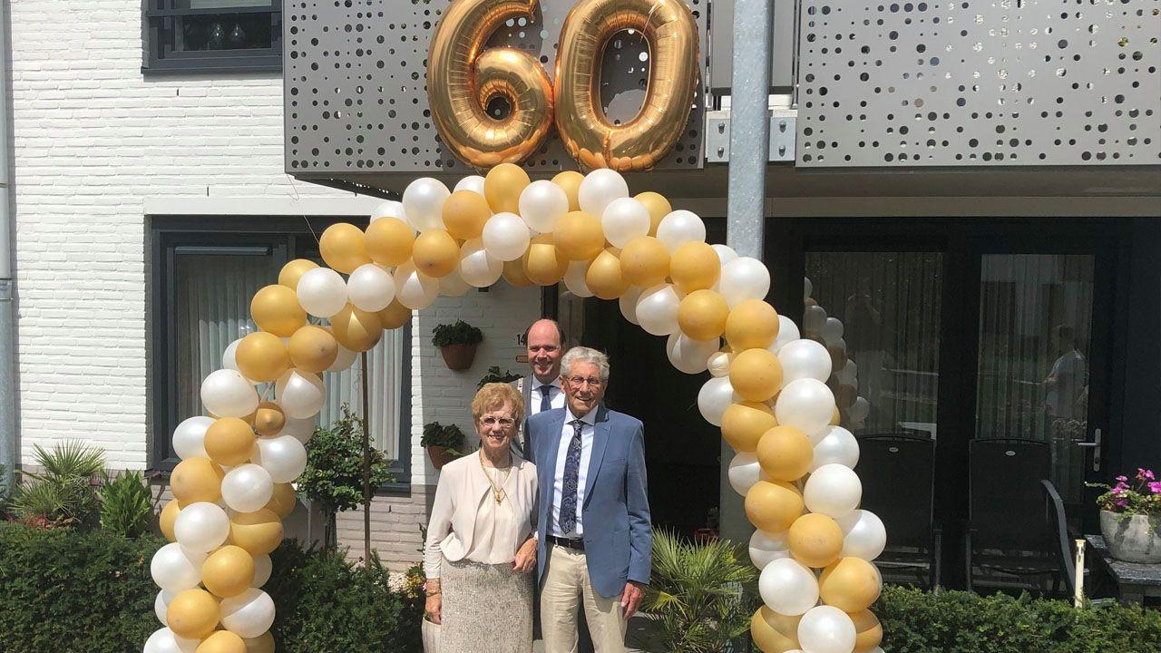 Burgemeester feliciteert 60-jarig bruidspaar