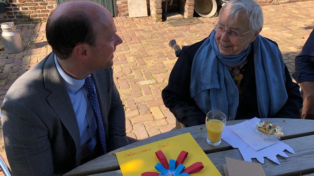 Burgemeester Palmen bezoekt 101-jarige