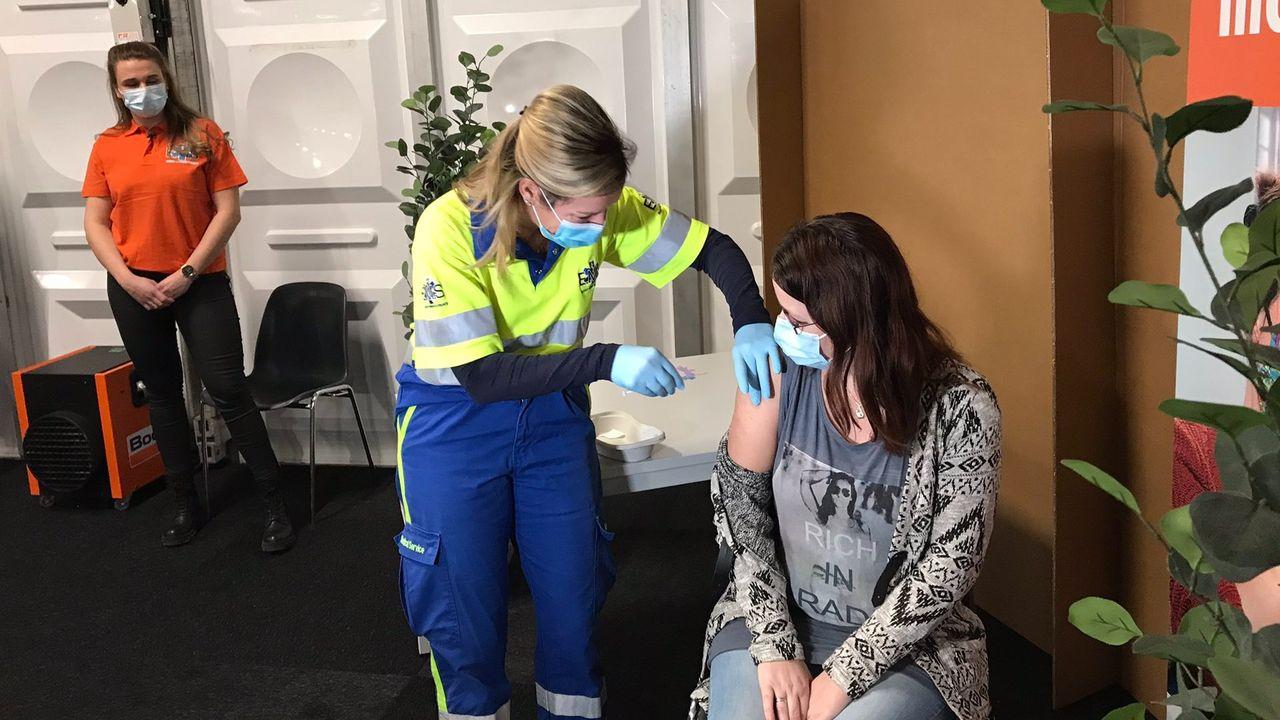 Eerste prik op vaccinatielocatie Noord-Limburg gezet