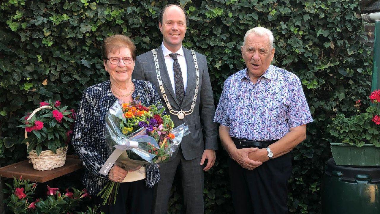 Burgemeester feliciteert diamanten huwelijksparen in Horst en Sevenum