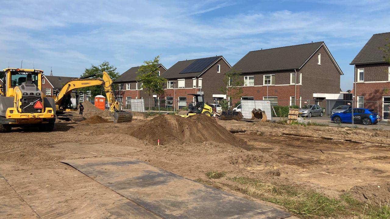 Schop in de grond voor nieuwbouw Tienray
