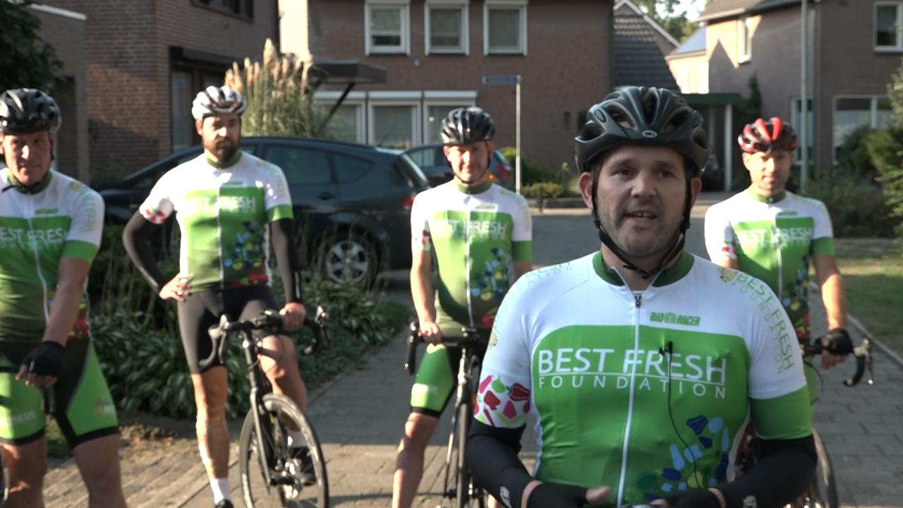 Hegelsommers klaar voor fietstocht van ruim 400 kilometer voor wensambulance