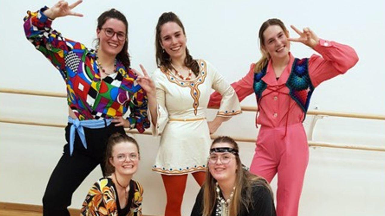 Balletschool Horst laat jaren zeventig herleven in de Locht