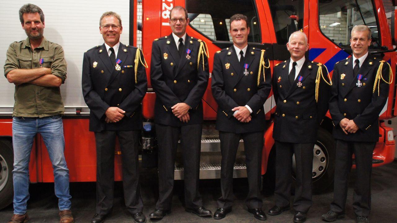 Burgemeester huldigt jubilarissen brandweer Lottum