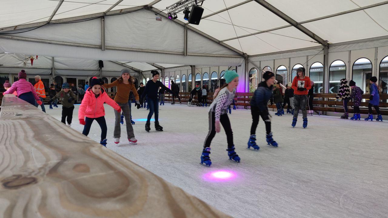 Streep door ijsbaan Horst